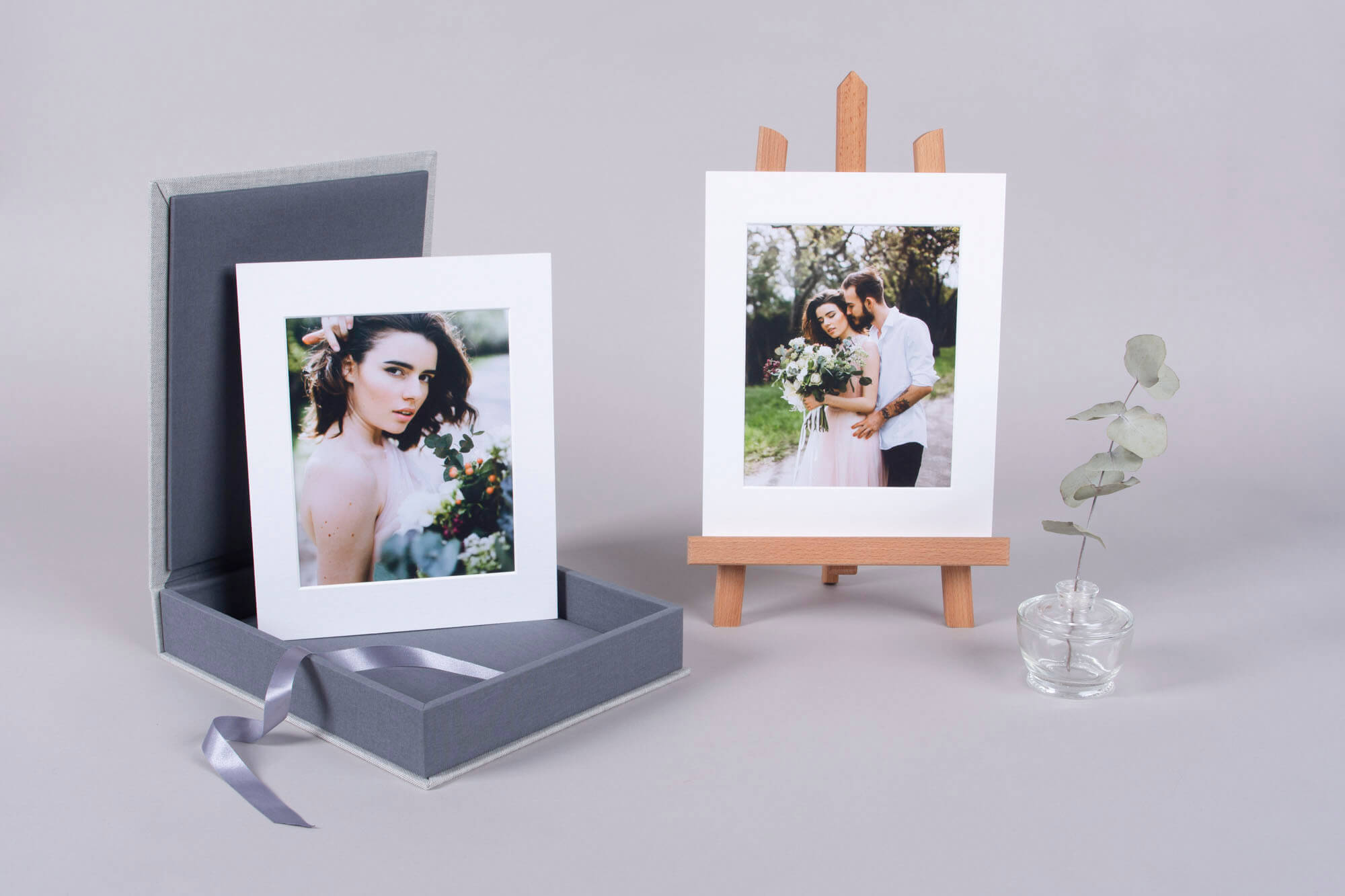 Sell additional accessories like Display Easel Stand with your Folio Boxes